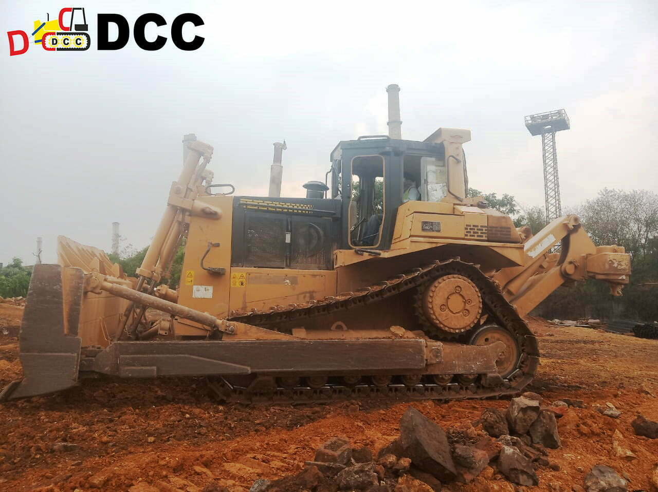 Old Bulldozer SD7N 1