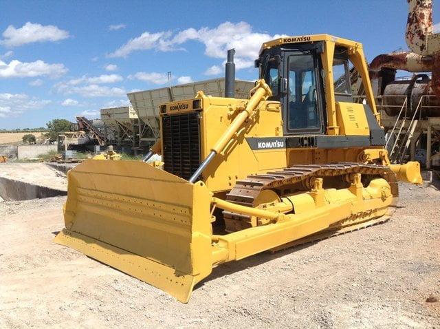 Bulldozer D85E